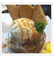 Caramel Apple Amaretto Dessert at Maui Brick Oven